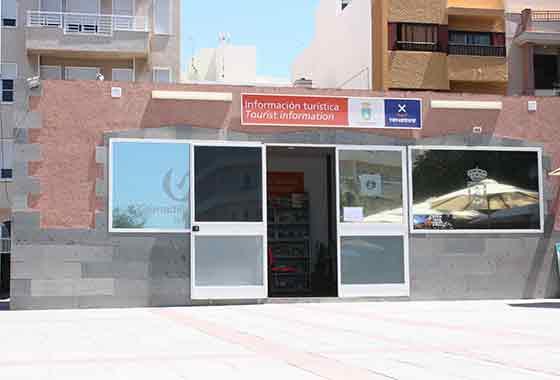 La oficina de turismo de el m dano recibe m s de for Oficina de turismo de tenerife